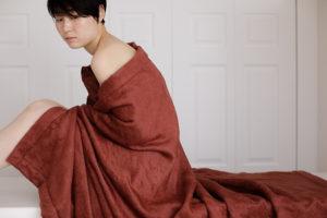 シルク100パーセント毛布