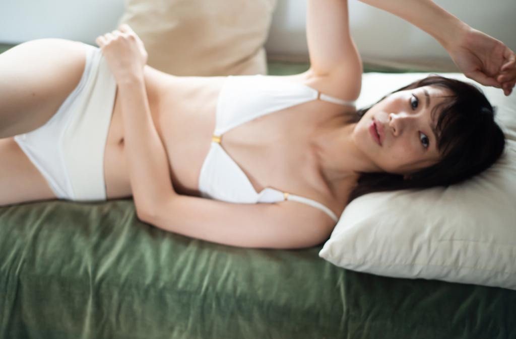 ニュアラ/プントゥ/フォトグラファー花盛友里/モデル宮崎葉